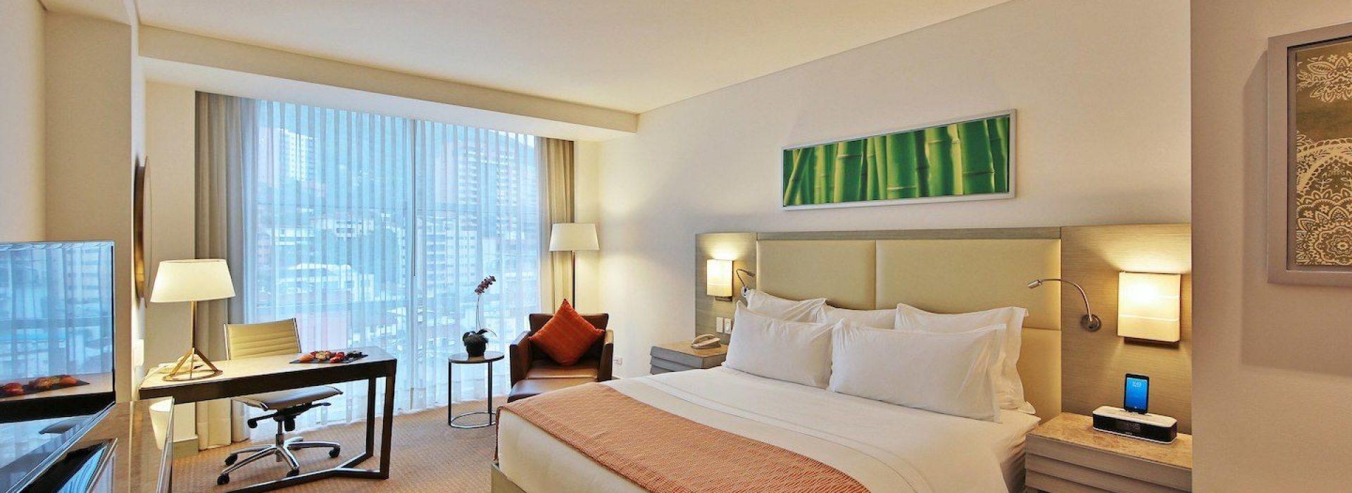 clomc-guestroom-0048-hor-wide
